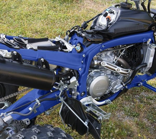 2018-Yamaha-YFZ450R-EU-Racing-Blue-Detail-003